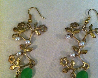 Gold tone tree with green beads