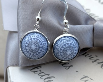Vintage Etched Mosaic Cabochon Dangle earrings in Light blue and white