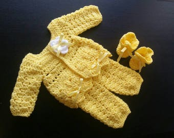 Baby Girl Outfit, Newborn Coming Home Outfit, Yellow Baby Set, Crochet Baby Sweater Pants and Shoes, Baby Girl Clothes, Newborn Outfit