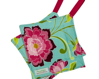 Quilted Trivet | Insulated Pot Holder | Square Hot Pad | Hanging Hotpad | Thermal Hot Pad | Rose Floral |   Ready To Ship