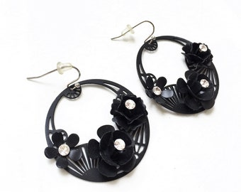 sexy vintage black enamel and colorless rhinestone 3D floral design open work pierced earrings