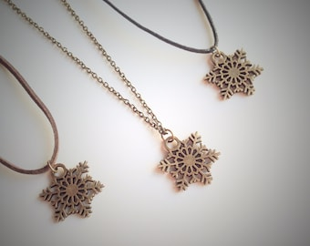 Snow Flake Necklace, Bronze Snow Flake Charm Pendant, Antique Winter Jewellery, Christmas Charm, Vintage Style Jewellery