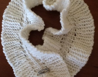Short Ruffled Knitted Scarf