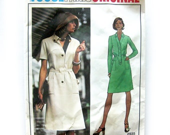 1970s Vintage Vogue Paris Original Sewing Pattern 2935 / Molyneux Lined Dress / Size 10