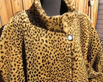 Vinatge animal print / leopard print coat, button front,womens faux leopard winter faux fur coat/ jacket ,two pockets,winter, fully lined