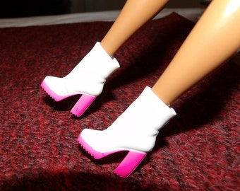Vintage pink & white anke high boots for 11 1/2 inch Fashion Dolls - pwb