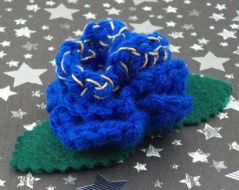 Idris - Crocheted Rose Bar Pin - Blue and Gold (SWG-PS-DWID01)
