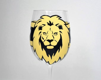 Lion Wine Glass