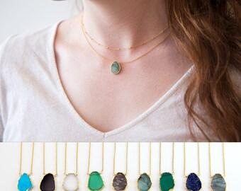 Gemstone Slice Pendant Necklace, Raw Emerald Necklace, May Birthstone Jewelry, Layered Necklaces, Gold Necklace, Boho Jewelry