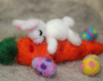 Needle Felted Bunny on Carrot with Easter Eggs, Easter Bunny, Easter Decoration, Waldorf Inspired, Carrot Love