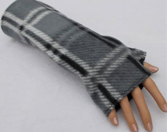 GRAY PLAID FINGERLESS Gloves Mens or Womens Teen Soft Fleece Fingerless Mittens