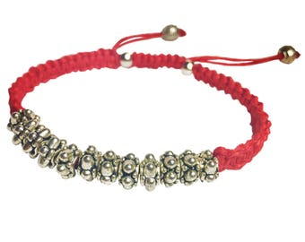 Macramé and accent bead bracelet