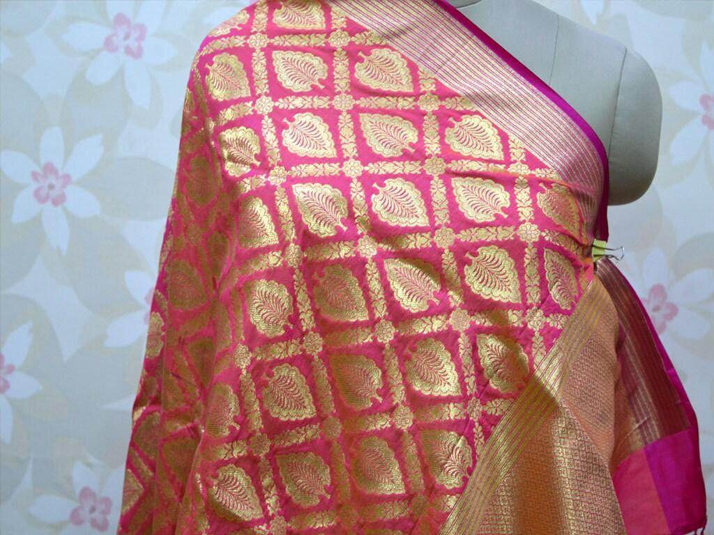 El brocado de seda largo de la bufanda Dupatta Regalos para