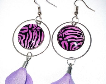 Handmade earrings with tassel and cabochon