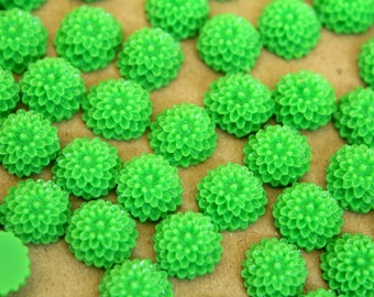 CLOSEOUT - 30 pc. Grass Green Chrysanthemum Cabochons 10mm | RES-373