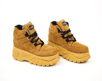Platform Shoes size 10, High Platform Boots, 90s Platform Sneakers size 41, Buffalo Platforms Vintage Club Kid Boots