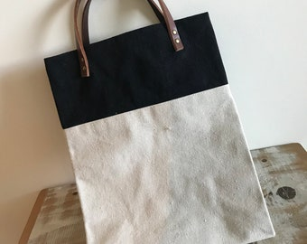 Tote in Canvas - Black and Beige