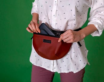 Leather fanny pack,Waist bag leather,Hip bag,Belt bag,Waist bag for women,Leather bum bag,Women waist bag,Womens Fanny Pack,Vegan hip bag