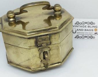 11.5x12.6x11.4cm hexagonal VINTAGE brass box, brass Trinket box, brass jewelry box, storage, trinket box, vintage box, vintage brass casket