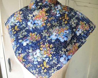Vintage 1970s polyester scarf floral blue   22 x 22 inches