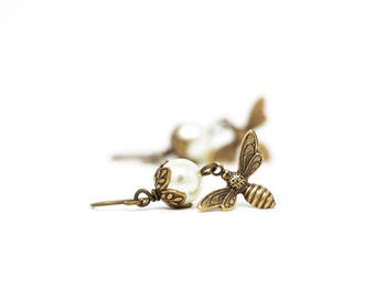 Mothers Day Gift - Dangle Bee Earrings -Bumble Bee - Nature Jewelry -  Ivory Pearl Earrings - Dangle Earrings - Bee Jewelry - gift For Woman
