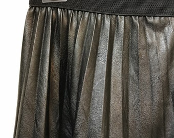 Pleated full skirt - Black faux leather - One size