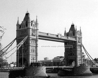 London Bridge black and white photograph