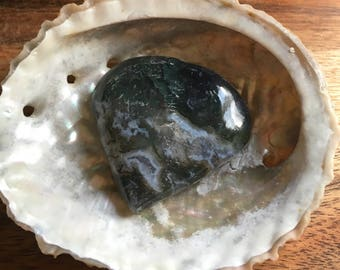 Moss Agate Gemstone Heart, Healing Stone, Stone of New Beginnings, Wealth and Abundance, Stabilizing Stone