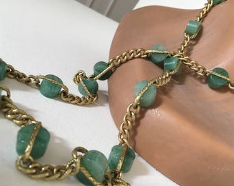 Vintage 60's  necklace green stone gold jade?