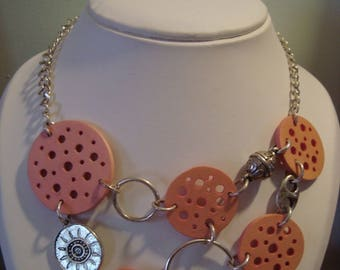 Pink wooden necklace with chain