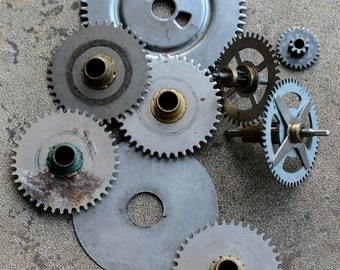 Vintage clock brass gears -- set of 9 -- D2