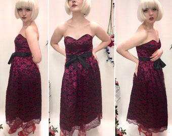 Red lace vintage dress, size 6/8. 80s dress, 70s Dress, evening Dress, Party Dress.