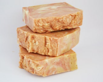 FREE SHIPPING in US// Marbled Clay Soap// Made with quality skin-loving ingredients.