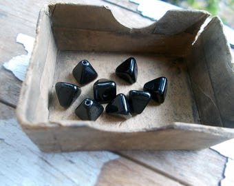 Vintage Japan Glass Beads - 8 Black Pyramid Beads - 8mm - Shiny Black Glass Geometric Triangle Pyramidal Beads - Dark Esoteric