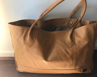 Brown leather shoulder tote bag. Classy and classic shoulder handbag.Tan real leather tote traditional bag.Lined with pockets,rolled handles
