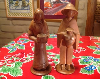 Vintage pair of hand carved wooden Central or South American figurines