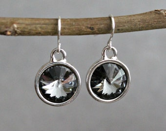 Grey Crystal Earrings, Grey Drop Earrings, Grey Dangle Earring, Grey Bridesmaid Earring, Grey Earring, Grey Charcoal Earrings