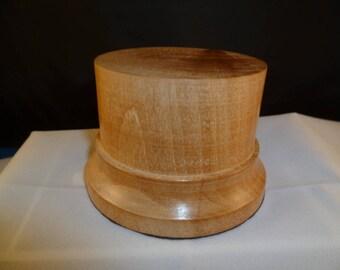 cormier nat1 wooden base