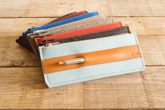 Felt and leather PENCIL CASE, sunglasses case, pen holder, turquoise and tan, wool felt, handmade, made in Italy