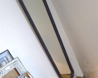 Elongated mirror restyled