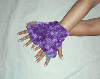 Belle Frilly crochet Fingerless Gloves. Lavender & purple fingerless arm warmer gloves Victorian fall fashion texting hand warmers Bohochic