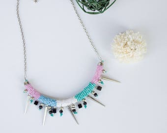 Ethnic necklace with long studs