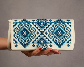 Something blue Ivory bridal clutch purse Royal blue beaded clutch Wedding white clutch purse Ukrainian fashion folk bag Evening clutch bag