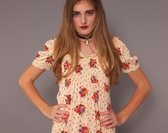 1970s Vintage Floral Print Milkmaid Style Maxi Dress