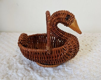 Baby Duck Basket, Woodland Nursery Decoration, Baby Gifts, Bird Decor, Duck Toy, Lake House Decor, Cabin Decoration
