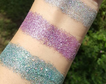 Holographic pressed glitter