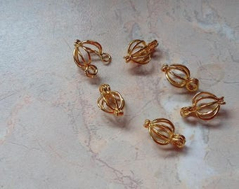 Open cages for 8 mm beads, golden color