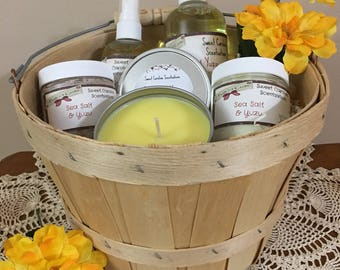 Spa Gift Basket / Birthday Gift Basket / Spa Kits / Spa Gifts / Bath and Body Gift  Baskets / Mother's Day Gift Baskets
