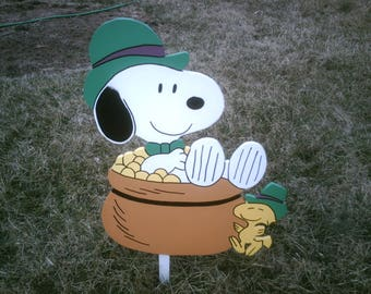 Snoopy in Pot of Gold Yard Art