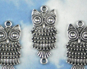 LAST 8 Googly Eyed Owl Charm Link Pendants 28mm Antiqued Silver (P752)